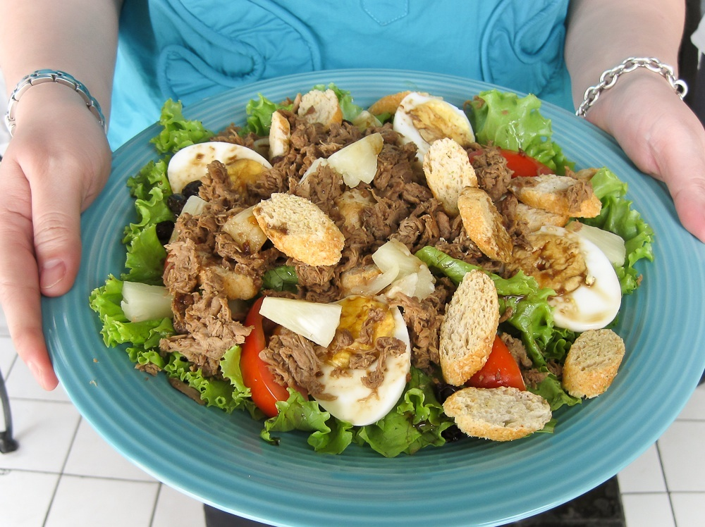 Chicken Adobo Salad with Pineapple Vinaigrette – JAN IS COOKING