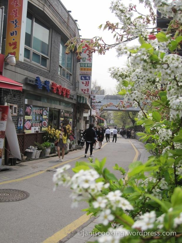 samcheongdong walkway