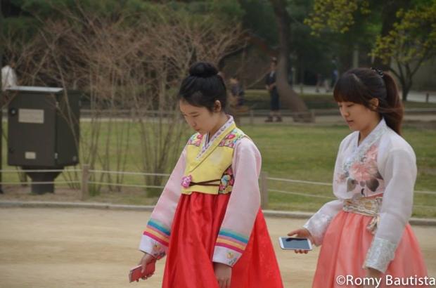 gyeongbokgung hanbok