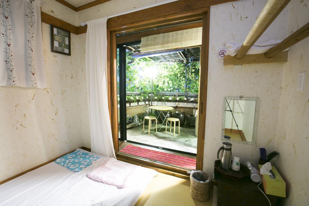 janiscooking bukchonmaru room